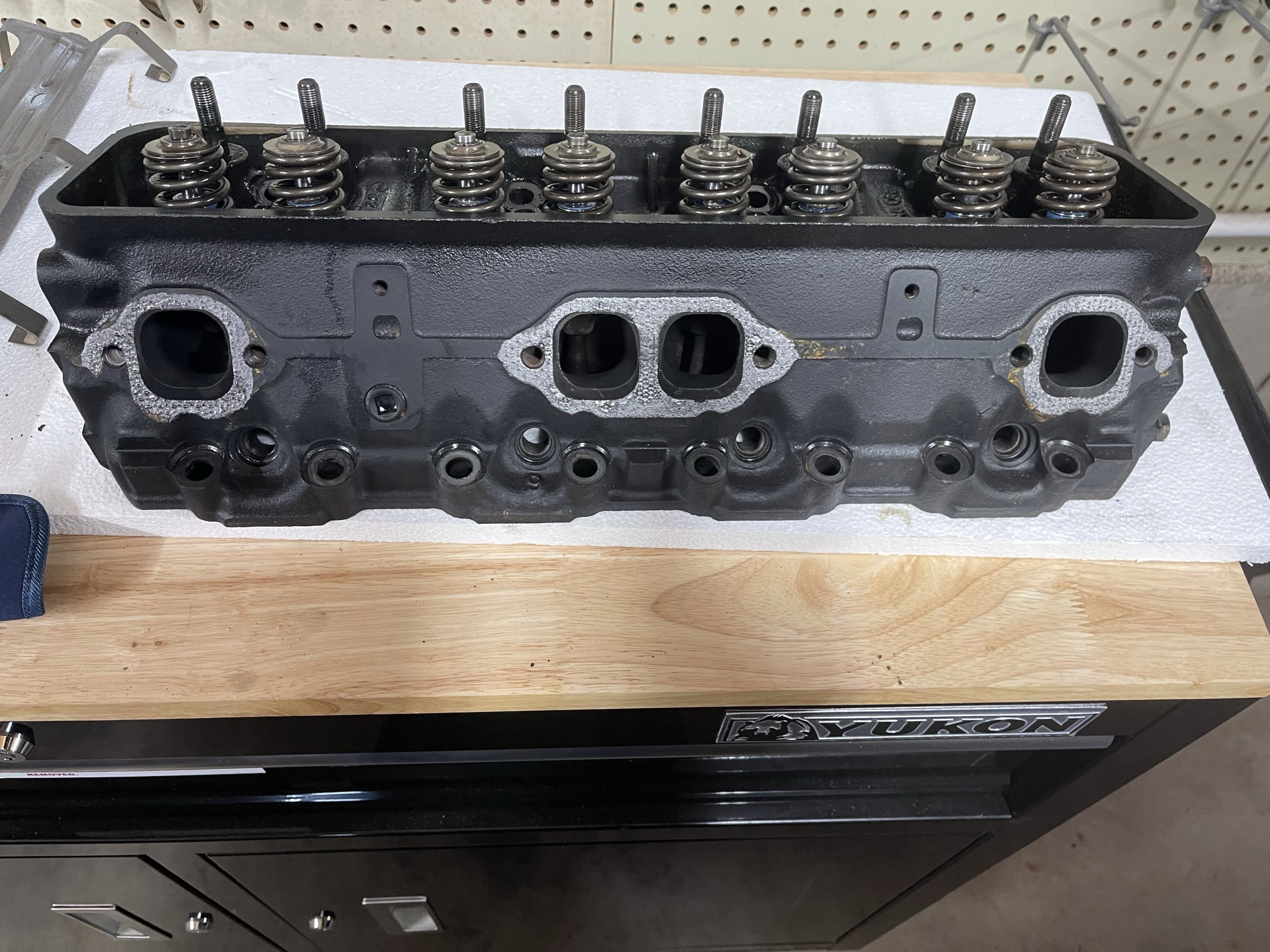 Starboard Cylinder Head Exhaust Port Inspection