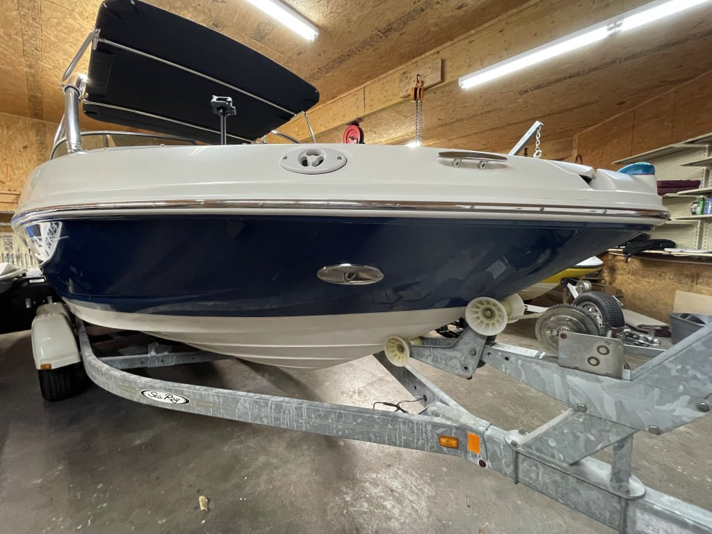 Sea Ray 210 Docking Lights and Horn